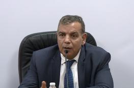 """وزير الصحة الاردني يطالب مواطنيه بالتوقف عن """"التقبيل """""""