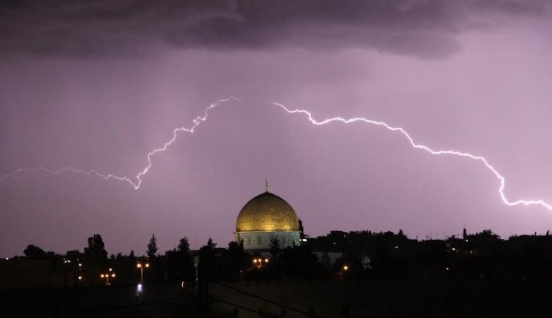 فلسطين على موعد مع كتلة هوائية باردة مصحوبة بالامطار