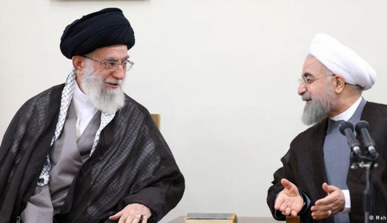 """مقرب من علي خامنئي يصف الرئيس الإيراني بـ """"الخائن"""" ويهدده بالقتل"""