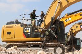 الاحتلال يستولي على جرافة في نابلس