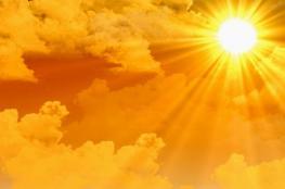 حالة الطقس : أجواء شديدة الحرارة وجافة جداً