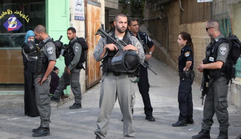 الاحتلال يقضي بالحبس المنزلي والإبعاد على أربعة مقدسيين