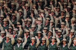 انشقاق 100 جندي فنزويلي والتوتر يتصاعد