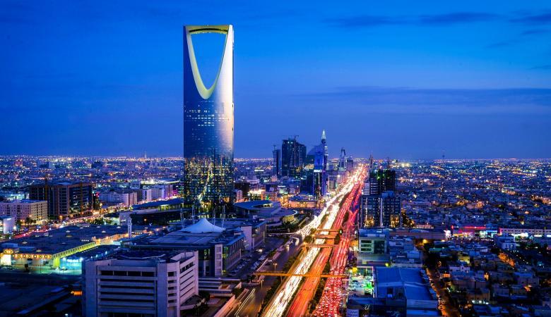"""السعودية تعتمد رسمياً نظام """"غرين كارد"""" للإقامة بدلاً من نظام الكفيل"""
