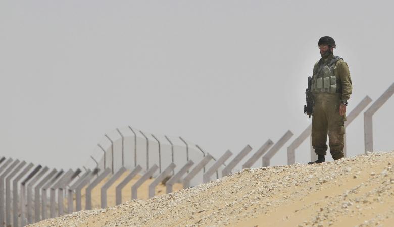 تحرك اسرائيلي لمنع تدفق الفلسطينيين عبر فتحات الجدار