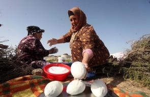 نساء فلسطينيات يعددن