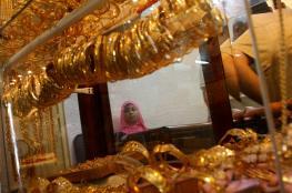 المواطنون يبيعون ذهبهم لمواجهة أزمة الرواتب