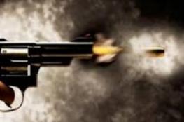 طلق ناري بالخطأ ينهي حياة امرأة من خان يونس على يد ولدها