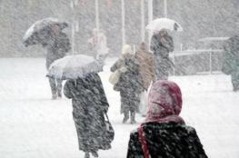 منخفض قطبي يعبر فلسطين الأربعاء وثلوج على 800 متر