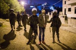 الاحتلال يعتقل 18 مواطنا بالضفة الغربية فجرا