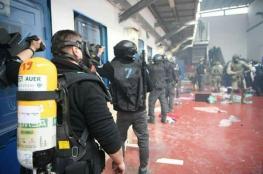 قوات القمع تقتحم عدة غرف في سجن عسقلان