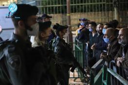 """""""اسرائيل """" تمنع الفلسطينيين من اداء الصلاة في الابراهيمي"""