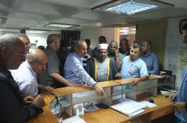 """وزير الاوقاف يزور مستشفى """"الرازي """" بجنين ويقدم 10 آلاف دولار لترميم الأضرار التي لحقت به"""
