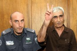سعدات يعلق اضرابه المفتوح عن الطعام