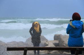 تأثير المنخفض الجوي على شاطئ مدينة غزة