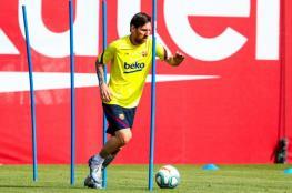 ميسي يعود للتدريبات مع برشلونة وسط ارتياح كبير