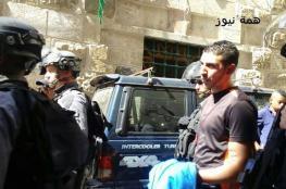 الاحتلال يعتقل عشرات الشبان بالأقصى