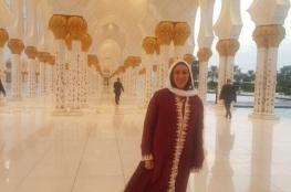 بالصور والفيديو ...وزيرة الرياضة الإسرائيلية تتجول مسجد الشيخ زايد بأبو ظبي