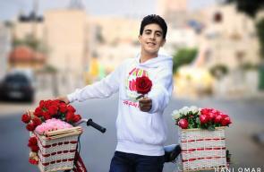 بائع الورد في مدينة غزة