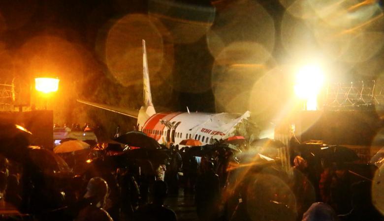 قتلى وجرحى في انشطار طائرة نصفية خلال هبوطها في الهند