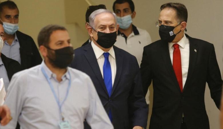 استطلاع: شعبية نتنياهو في الحضيض والأغلبية تطالبه بالتنحي