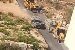 قوات الاحتلال تصادر جرافة في سنيريا جنوب قلقيلية