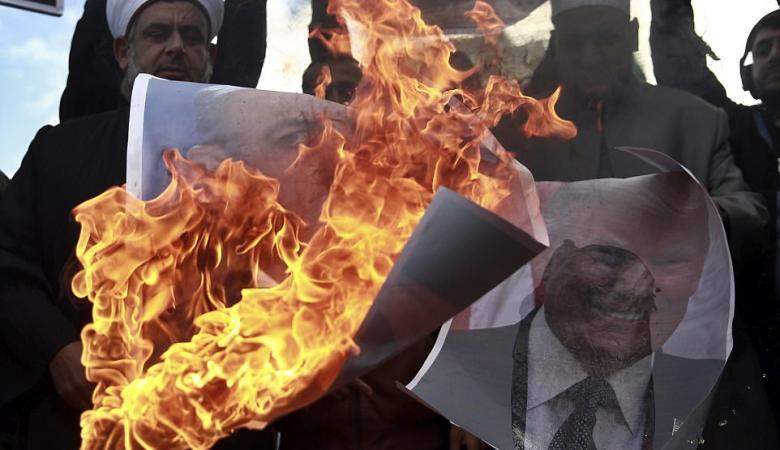 الفلسطينيون يتظاهرون اليوم ضد صفقة القرن ودعما للرئيس