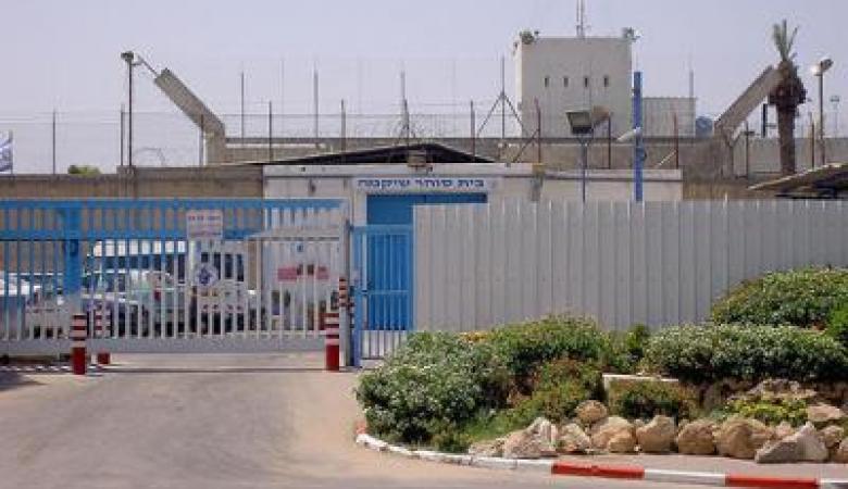 """إدارة """"عسقلان"""" تفرض عقوبات بحق عدد من المعتقلين"""