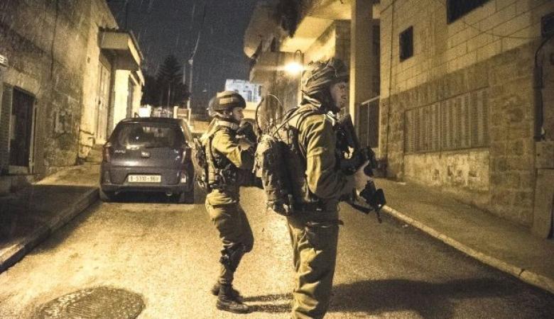 الاحتلال اعتقل 367 فلسطينياً في الضفة الغربية الشهر المنصرم