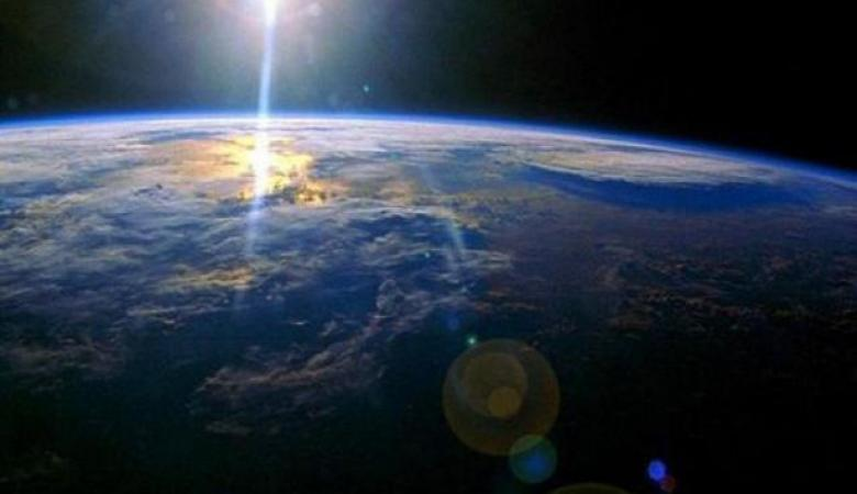 غرق الكرة الأرضية في 3 أيام من الظلام بسبب عاصفة شمسية