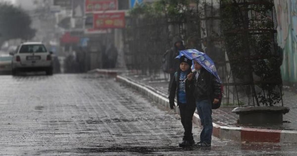 حالة الطقس: أجواء ماطرة تبدأ مساء اليوم ومنخفض جوي غدا