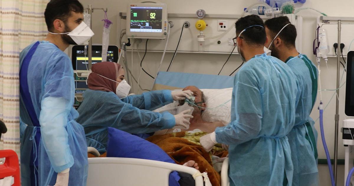 الصحة : 11 حالة وفاة و2100 اصابة جديدة بفيروس كورونا