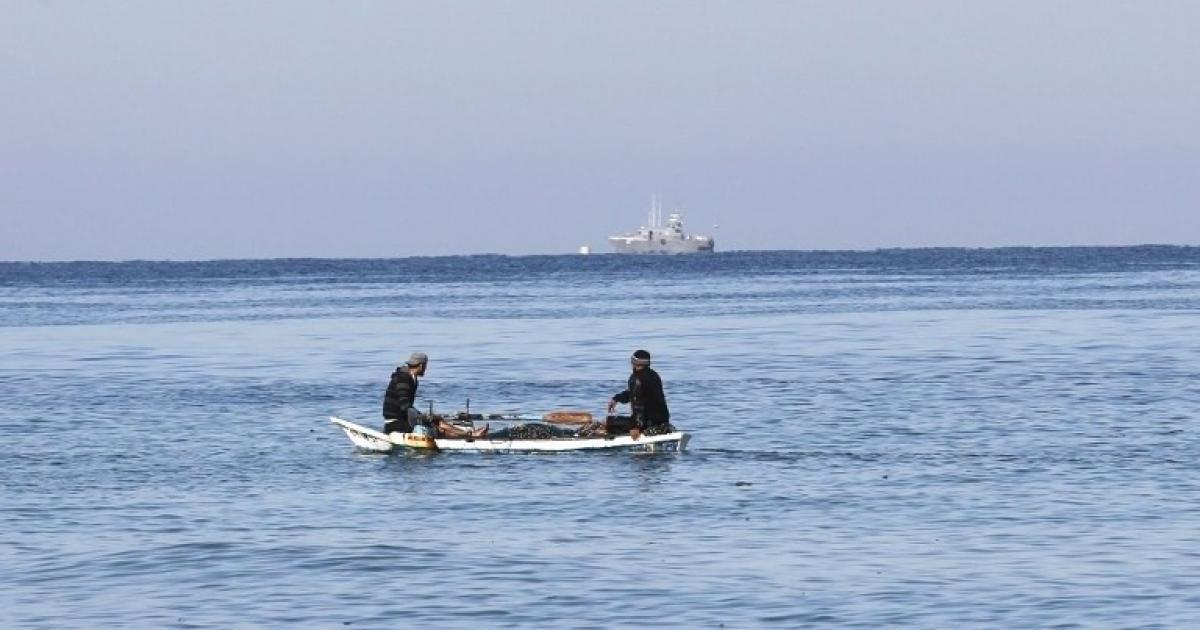 الاحتلال يستهدف الصيادين الفلسطينيين في بحر غزة