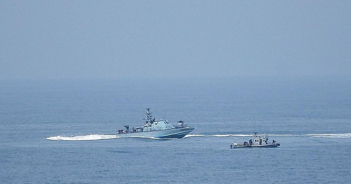 زوارق الاحتلال تطلق النار على مراكب الصيادين في بحر غزة