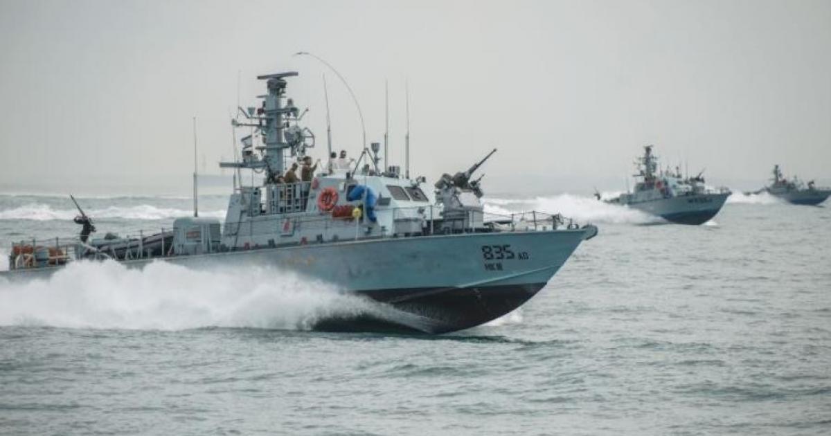 الاحتلال يستهدف مراكب الصيادين في بحر مدينة غزة