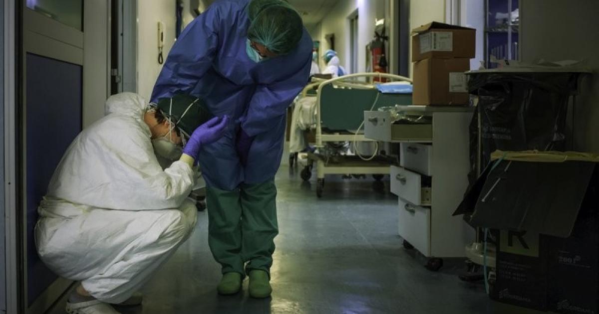 وفاة فتاة 22 عاما بعد 3 اسابيع على وفاة شقيقتها الحامل وجنينها بكورونا