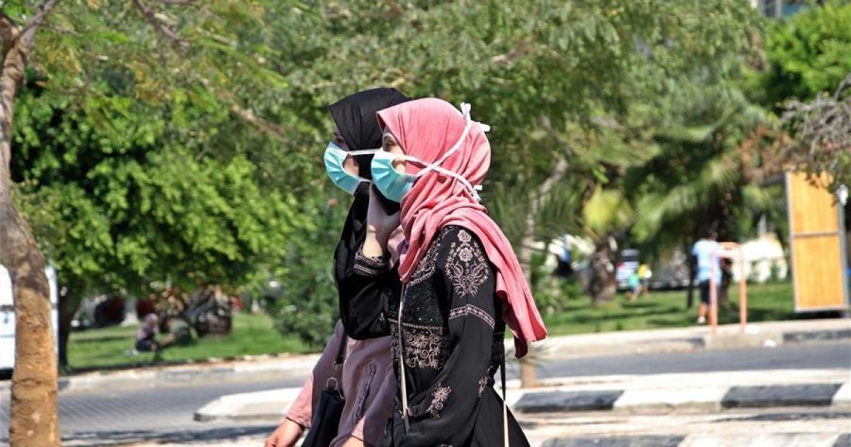 الصحة : 21 حالة وفاة و815 اصابة جديدة بفيروس كورونا