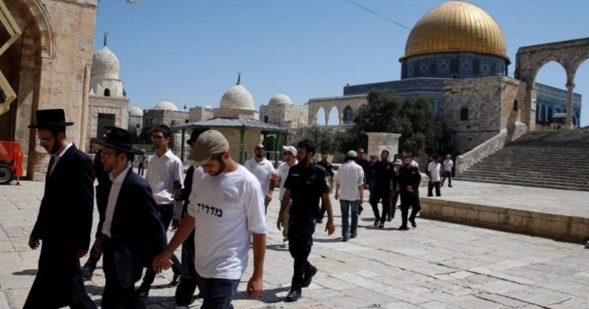 اقتحام عشرات المستوطنين للمسجد الاقصى