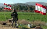 فلسطيني يعبر الحدود الى لبنان