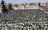 الاوقاف والصلاة في الساحات العامة