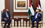 عباس ووزير الخارجية المصري