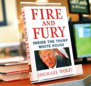 كتاب يكشف معلومات قد تطبيح بترامب من رئاسة أمريكا