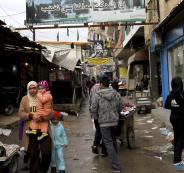 شبان من مخيمات لبنان يطالبون بالهجرة ..والقوى السياسية تحذر