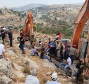 مواطنون يمنعون شق طريق استيطاني غرب رام الله
