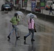 فرصة هطول الأمطار تزداد غداً الاثنين في معظم المناطق مصحوبة بالعواصف الرعدية