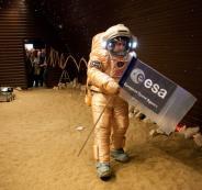نقل البشر الى المريخ