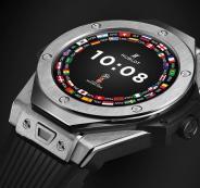 شركة سويسرية تطور ساعة ذكية لحكام ومشجعي مونديال روسيا