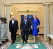 عباس والرئيس الايرلندي