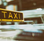 سائق تكسي والمطار