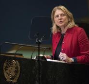 وزيرة خارجية النمسا تتحدث اللغة العربية